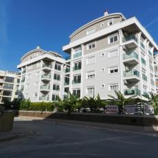 شقة عصرية و حديثة للبيع في مدينة انطاليا السياحية thumb #1