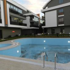منازل ساحرة في منطقة لارا بأنطاليا معروضة للبيع