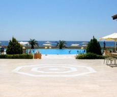 شقة أمام شاطىء كيمر في تركيا للبيع