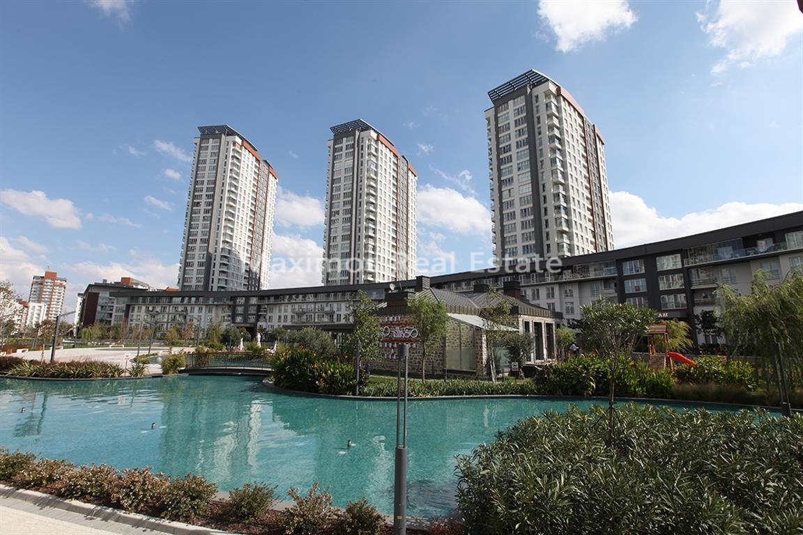 Luxury property Istanbul in huge compound photos #1